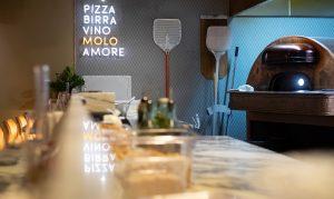 Bakstation för pizza på Il Molo Lerch snickeri & inredningar