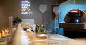 Bakstation för pizza på restaurang Il Molo - Lerch snickeri & inredningar