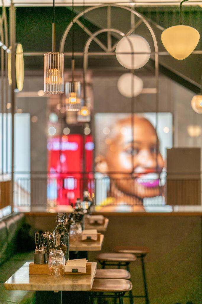 Art Deco inspirerad inramning av restaurang Regeringsgatan 21