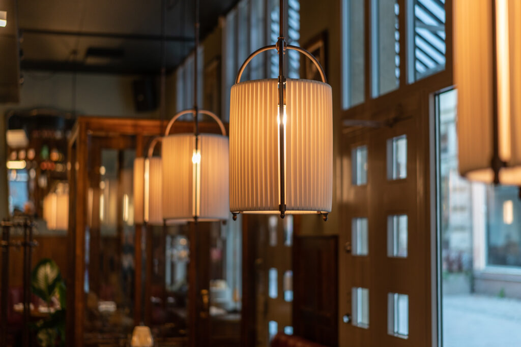 Lampor Restaurang Gioia Lerch Träinredningar